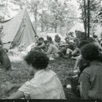 Előadás a táborban